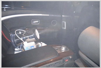 自動車内への光触媒の施工